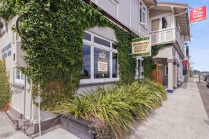 Westshore Beach Inn Storefront